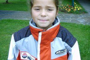 Bild zeigt Skifahrerin Julia Scheib im Kindesalter.